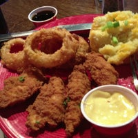 Photo taken at T.G.I. Friday's by Krisela O. on 9/29/2012