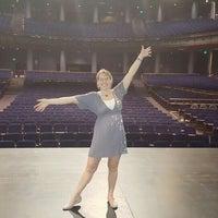 Das Foto wurde bei Theatre Under The Stars von Neely S. am 11/2/2015 aufgenommen