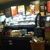 Photo taken at Starbucks by Yessica Lizbeth M. on 12/30/2012
