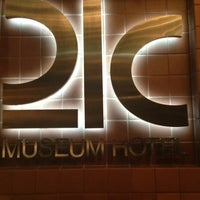 Photo taken at 21c Museum Hotels - Cincinnati by Dalia J. on 3/8/2013