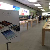 Photo taken at Apple SouthPark by Vince L. on 5/10/2014