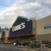 Photo taken at Lowe's Home Improvement by Vince L. on 4/22/2017