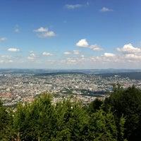 Das Foto wurde bei Uetliberg Aussichtsturm von Daniel am 8/11/2013 aufgenommen