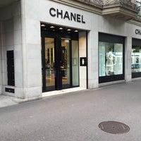 รูปภาพถ่ายที่ CHANEL Boutique โดย Daniel เมื่อ 9/3/2018