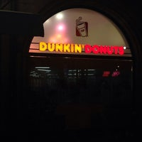 Das Foto wurde bei Dunkin' Donuts von Michael R. am 2/4/2014 aufgenommen