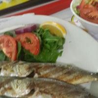 Photo taken at Yeşillik balık & salata by Sibel E. on 12/1/2015