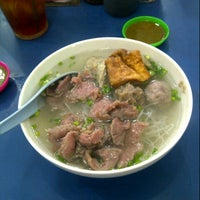 Photo taken at Bakso Lebong by Ownie T. on 2/23/2013