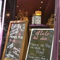Foto tomada en Priorité Art Coffee Shop por Prioritè Art Coffee Shop el 10/14/2013