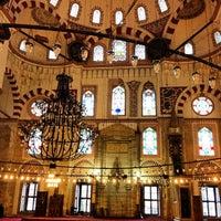 Das Foto wurde bei Şehzadebaşı Camii von Celaleddin T. am 3/23/2013 aufgenommen
