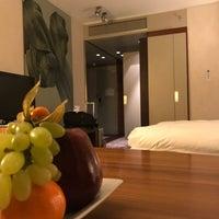 Das Foto wurde bei Dorint Hotel am Heumarkt Köln von Docjur am 11/26/2017 aufgenommen