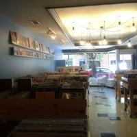 6/9/2013にKolika T.がMills Record Companyで撮った写真