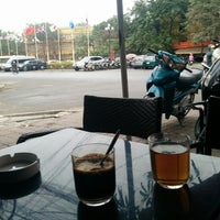 Photo taken at Cây Liễu Cafe by Mak T. on 1/12/2014