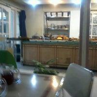 Photo taken at Sari Bundo by Ingkeu R. on 11/22/2012