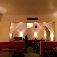 Das Foto wurde bei Cafe Engländer von Manuel G. am 2/10/2013 aufgenommen