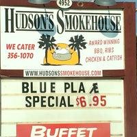 Photo taken at Hudson's Smokehouse by Sic W. on 7/23/2014