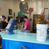 Photo taken at Munnerlyn's Ice Creamery by Jon P. on 8/4/2018