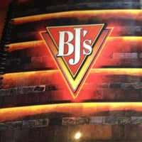 Photo taken at BJ's Restaurant and Brewhouse by Jimmie W. on 1/6/2013