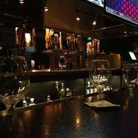 Foto scattata a Lodo's Bar and Grill da 🇺🇸K G. il 1/24/2013