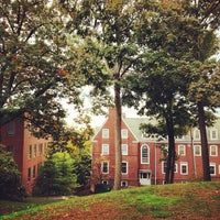 Photo prise au Mayer Campus Center, Tufts University par Spencer S. le10/19/2012