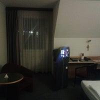 Снимок сделан в Austria Trend Hotel Lassalle пользователем mare 12/19/2014