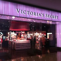 Photo taken at Victoria's Secret PINK by Flávia T. on 12/11/2012