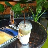 รูปภาพถ่ายที่ Zana's Bean Coffee โดย Suparerg W. เมื่อ 11/17/2012
