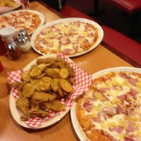 Photo taken at Shakey's Pizza Parlor by Ginelle C. on 4/20/2013