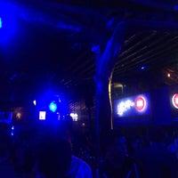 Foto tomada en Arenas Bar & Lounge por Favio M. el 9/18/2016