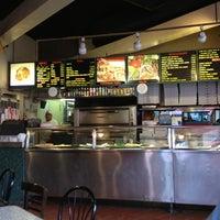 Снимок сделан в Rivoli Pizza пользователем Ron C. 10/19/2012