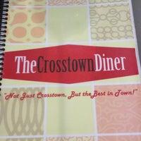 Foto tirada no(a) Crosstown Diner por Ron C. em 1/17/2013