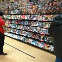 Foto scattata a Midtown Comics da Ron C. il 12/23/2012
