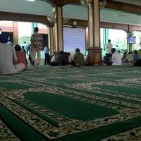 Photo taken at Masjid Agung Sunda Kelapa by Ridwan H. on 9/14/2012