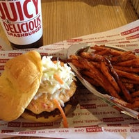 Photo taken at Smashburger by Rachel A. on 5/14/2013