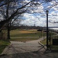 3/30/2013에 Steven B.님이 79th St Playground에서 찍은 사진