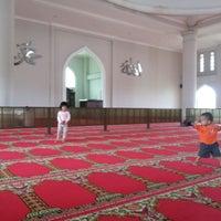 Photo taken at Masjid Nur Asmaul Husna by Wahyu FP on 7/14/2013