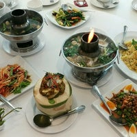 Foto tirada no(a) Phuttaraksa Restaurant por F!®$T L. em 9/2/2016