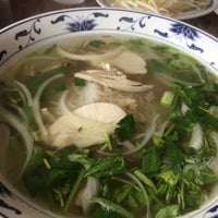 Photo taken at Pho Long Thinh by Hiroshi M. on 3/12/2016