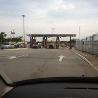 Photo taken at Estacionamento by Emidio J. on 3/4/2013