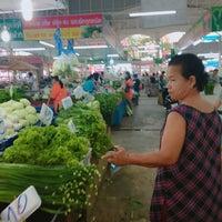 Photo taken at ตลาดไร่วนาสินท์ by Badminton M. on 4/5/2017
