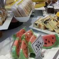 Photo taken at La Couronne Cake Boutique by Sim B. on 6/28/2014