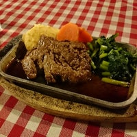 Photo taken at Mizu's Kitchen (Sarika Steak) by Noritney on 6/25/2014