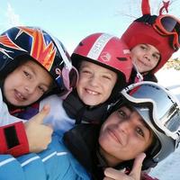 Foto tomada en Club Neo Mountain, Esqui, Snowboard y Campamentos de Verano por Club Neo Mountain, Esqui, Snowboard y Campamentos de Verano el 5/30/2016