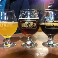 Foto tomada en Red Brick Brewing Company por Benjamin S. el 12/29/2012