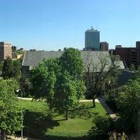 Das Foto wurde bei Graduate Ann Arbor von Ed C. am 5/25/2018 aufgenommen