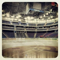 Das Foto wurde bei TUI Arena von Matthias S. am 10/26/2012 aufgenommen