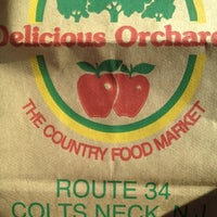 Photo taken at Delicious Orchards by Ms J. on 11/6/2012