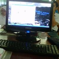 Photo taken at Lab. Komputer SMAN 63 Jakarta by Rizqi R. on 10/10/2012