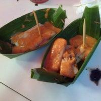 Photo taken at ketoprak pasar lama by ULI S. on 12/31/2012