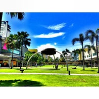 Photo taken at Bonifacio High Street by Gzul Yusof on 7/6/2013