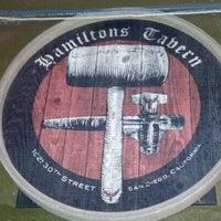 Foto tirada no(a) Hamilton's Tavern por Bran M. em 10/16/2012